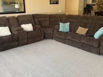 Sectional Couch Recliners Sofa Sleeper/bed for Sale in Chula Vista,  CA