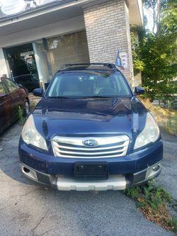 2011 Subaru Outback for Sale in Harrisburg,  PA