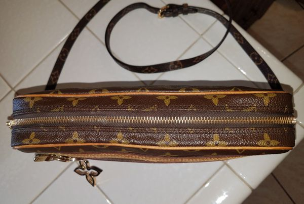 Authentic Louis Vuitton Marly Dragonne Crossbody