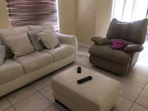 Living room for Sale in Tampa, FL