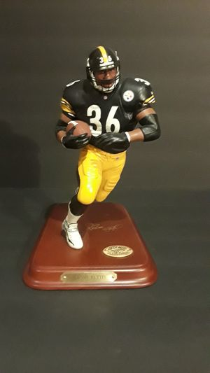 Pittsburgh Steelers great (Jerome Bettis) statue for Sale in Princeton, FL