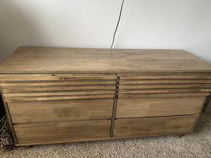 Chestnut 6 drawer dresser for Sale in Atlanta, GA