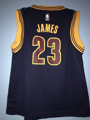 Adidas Cleveland Cavaliers Lebron James Youth Jersey SIZE MEDIUM for Sale in Marietta, GA