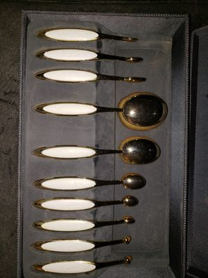 Artis 10 brush gold collection for Sale in Los Angeles, CA