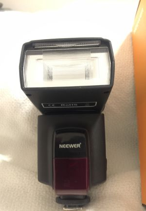 Neewer 520 speedlite camera flash for Sale in Chandler, AZ