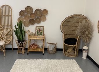Saint Tropez 4x6 Snow White indoor area rug NeW for Sale in Garden Grove,  CA