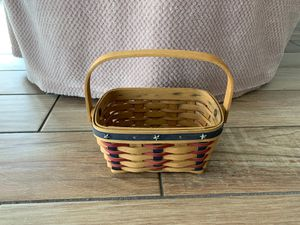 Longaberger 2004 Proudly American Tea Basket with wooden swinging handle for Sale in Dunedin, FL