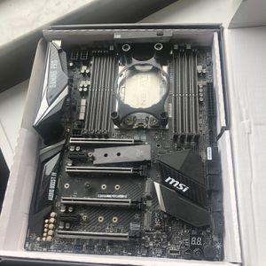 MSI x399 Gaming pro motherboard AMD threadripper cpu 1900x 8 core 16 threads 3.8 ghz up to 4.0 ghz for Sale in Palm Beach, FL