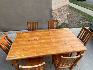 Wooden Table and 6 Chairs for Sale in Long Beach, CA