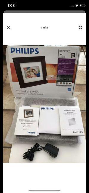 Philips SPF3470T/G7 7 Inch Digital Photo Frame LCD Panel Brown Wood Frame UNUSED for Sale in Sunrise, FL