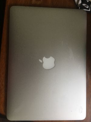 MacBook Air 2010 128gb ssd 2gb ram for Sale in Canton, OH