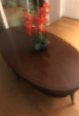 Thomasvile coffee table in excellent condition. Brushed nickel legs with a curve for Sale in Alameda, CA