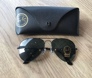 Ray ban aviators 3025 sunglasses for Sale in Los Angeles, CA