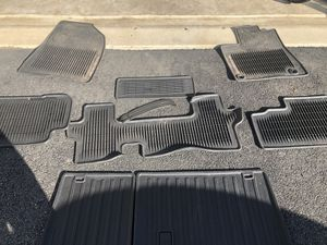 2016 Highlander all weather cargo Mats Captains seat package for Sale in Ashburn, VA