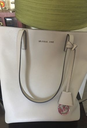 Michael Kors Large Purse for Sale in West Springfield, VA