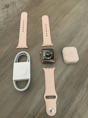 Apple Watch Series 5 44mm for Sale in Aurora, CO