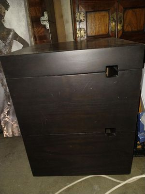 Black 2 draw end table for Sale in Manteca, CA