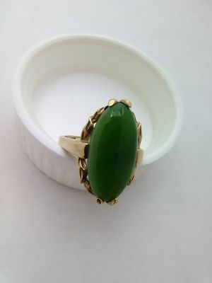 10K Gold Green Stone Fashion Ring Size 6.5 for Sale in Columbus, OH
