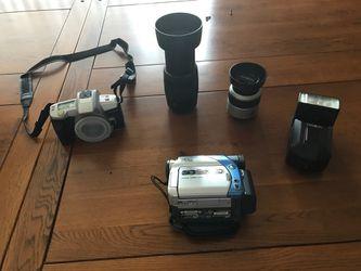 Minolta maxim 3/ 35mm camera, Minolta pro flash, AF 35-80 lense & 70-210 lense& JVC Digital video camera for Sale in Port St. Lucie,  FL