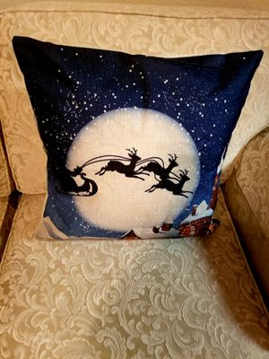 """Christmas Home Decor Pillows/ Yenny""""s Bundle for Sale in Round Rock, TX"""