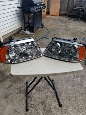 Lincoln navigator headlights for Sale in Hillsboro, OR
