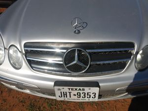 2003-2007 E class grille chrome and black for Sale in Von Ormy, TX