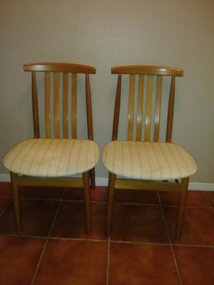 Little 2 ACCESSORY SOLID OAK CHAIRS 3 FT. TALL GREAT CONDITION LIKE NEW OFFERED: $25...OR BEST OFFER for Sale in Modesto, CA