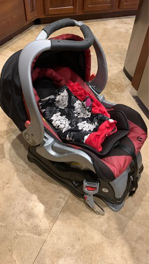 Baby trend infant car seat and double stroller. Sold together or separately. for Sale in Beaumont, CA
