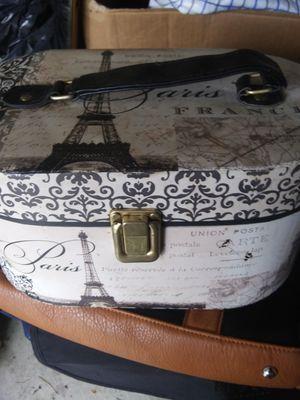 Jewlery Box full of Jewlery for Sale in Cadillac, MI