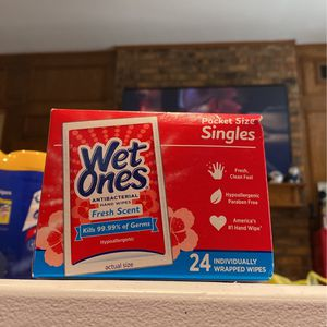 WET ONES - 24 Pack Box Travel Size Fresh Scent for Sale in Fort Worth, TX