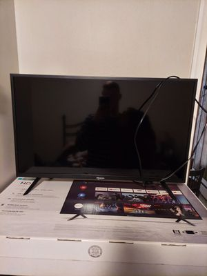 "HISENSE 55 series 32"" android smart tv for Sale in Dulles, VA"