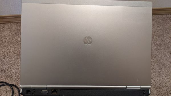 HP EliteBook Laptop (broken screen)