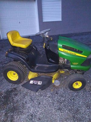 John Deere 18.5hp OHV Lawn Tractor / Runs Great! for Sale in Ephrata, PA