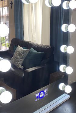 Vanity Mirror With Bluetooth for Sale in Santa Ana,  CA