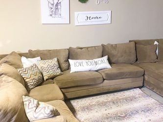 Big U-Shaped Sectional. Free Delivery! 🚛 for Sale in Flower Mound,  TX