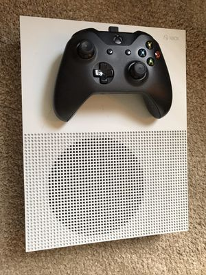 Xbox One S with Games and Accessories for Sale in Orlando, FL