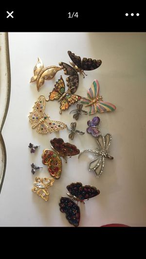 All For $15❗️Lot of Vintage Brooches & Earrings for Sale in Chula Vista, CA