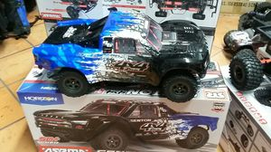 Arrma senton BLX 3s brushless electric speed truck 60 mph for Sale in Los Angeles, CA