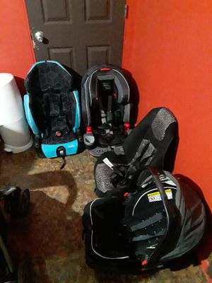 Car seat all in great conditions all are up to date willing to negotiate price for Sale in Edinburg, TX