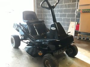 L@@K Murray Riding Lawnmower Like New Lawn Mower Zero Turn for Sale in Duluth, GA