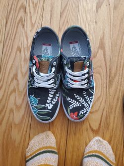 Womens Vans for Sale in Lock Haven,  PA