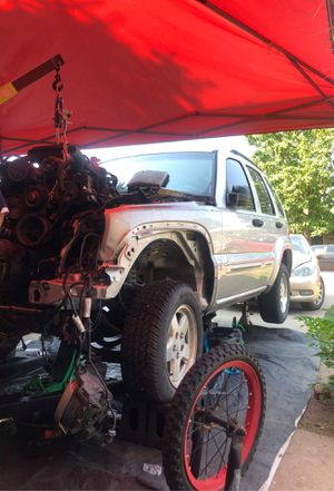 Parts off Jeep Liberty 2002 for Sale in Denver, CO