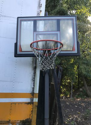 Elite Shatter Guard Basketball Hoop for Sale in Levittown, PA