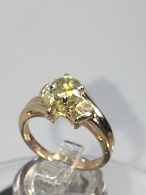 2 carat fancy diamond Gold ring 1.04 the cent diamond clean and pretty for Sale in Houston, TX