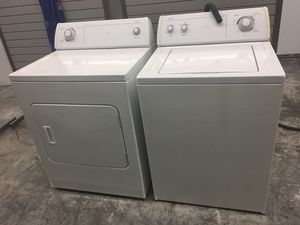 WHIRLPOOL WASHER AND DRYER SET!! for Sale in Charlotte, NC