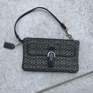 Coach wristlet purse for Sale in Denver, CO