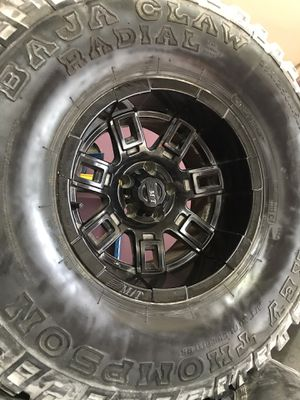 Jeep wheels for Sale in Miami, FL