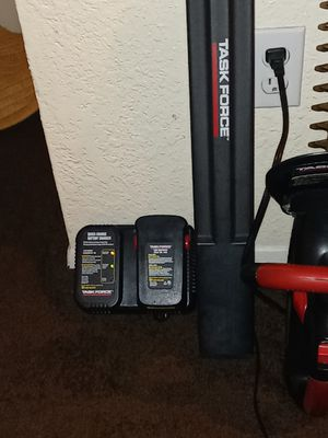 """Task Force 18volt/22"""" Titanium Battery Powered Trimmer W/ Battery and Charger. for Sale in Auburn, WA"""