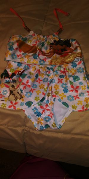 Girls size 5 moana bikini for Sale in Riverside, CA