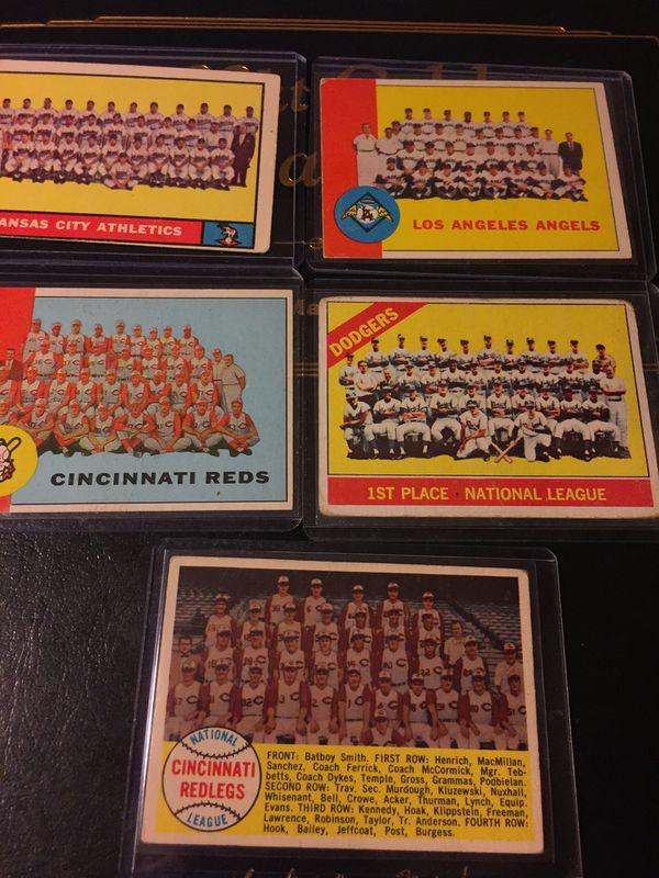 Lot of 5 vintage team photos